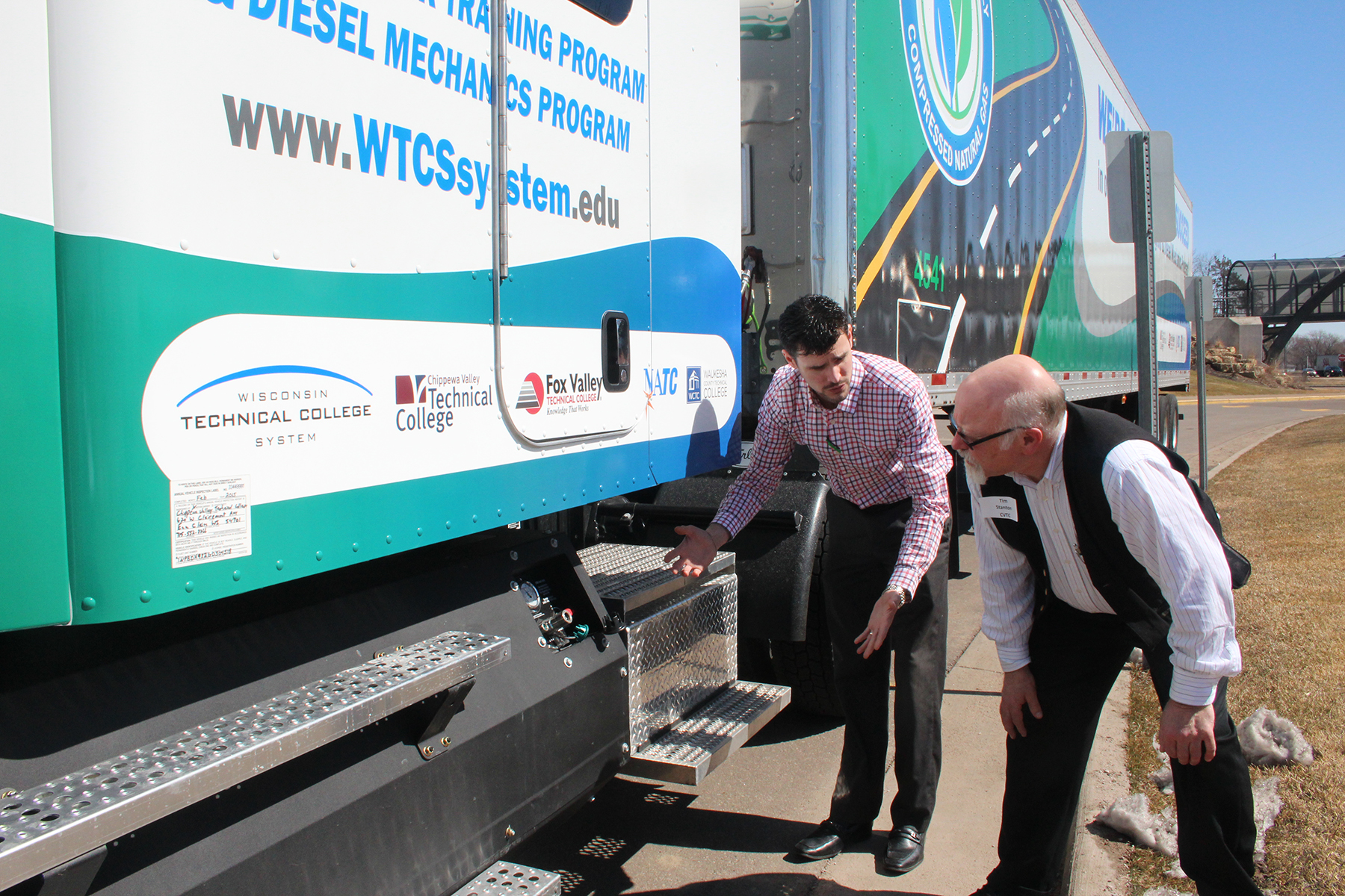 Tech Colleges Going Green With Natural Gas Truck Chippewa Valley Post