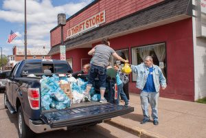 """Stamp Out Hunger"" drive collects nearly 160,000 pounds of food here but falls short of record"
